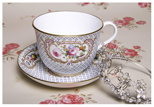 Vintage crockery hire perfect for Weddings